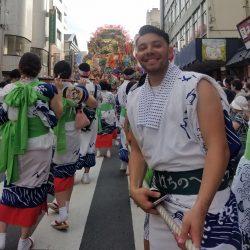 八戸三社大祭、山車ひっぱり隊に外国人が初参加