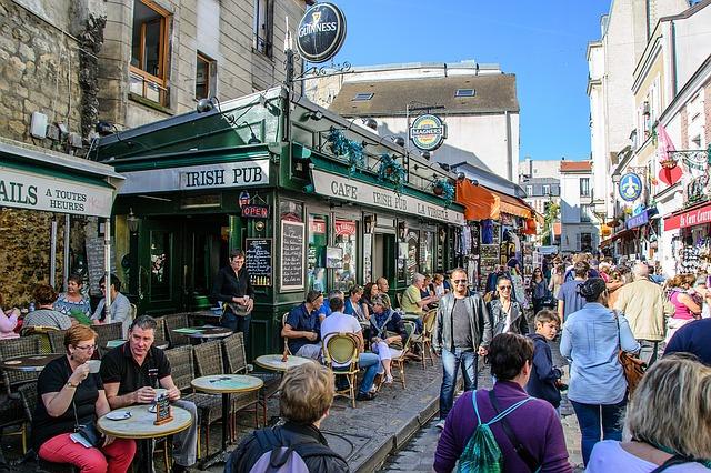 フランス政府、外客1億人目標先送り