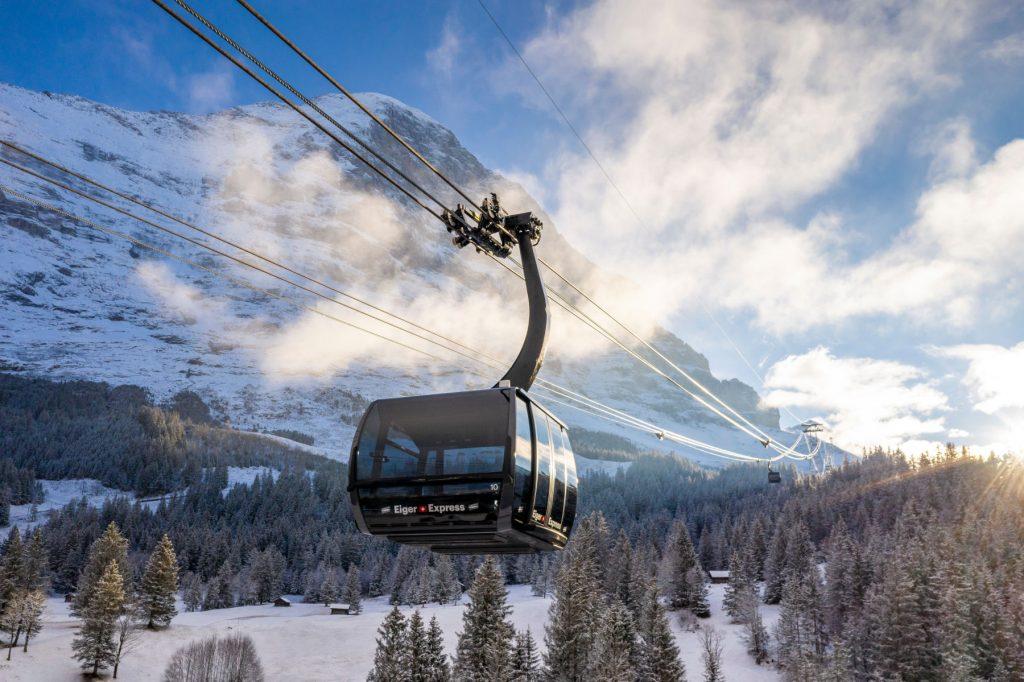 スイス政観がバーチャルツアー、報道向けに新ケーブルカー乗車体験