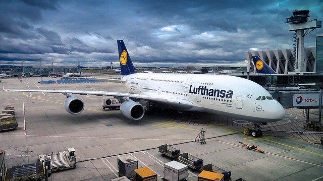 旅行予約アプリのホッパー、ルフトハンザとNDC接続 「無段階運賃」も利用可