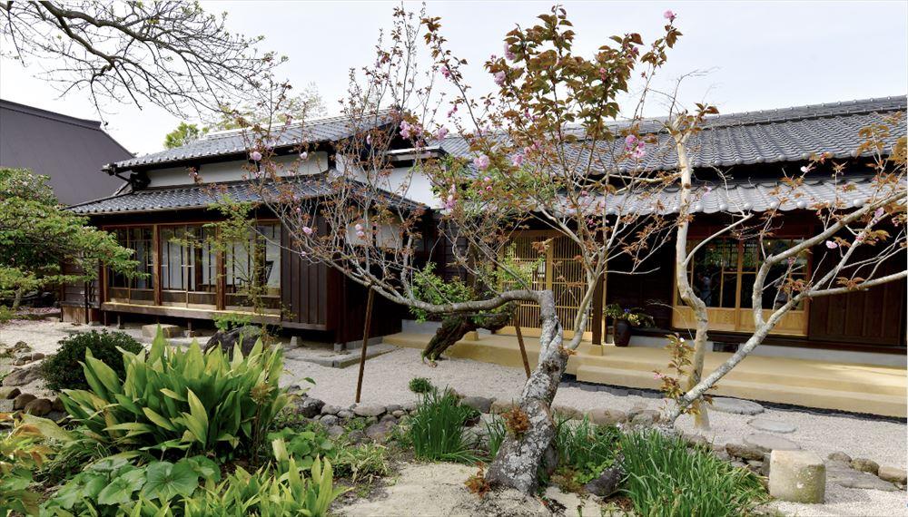 神代小路に一棟貸しホテル、鍵受け取りや朝食で地元店と連携