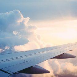 ブッキングHD、第1四半期の業績改善 宿泊予約2割減も航空券好調