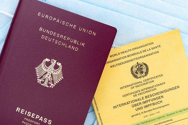 ワクチンパスポートが旅行を複雑に